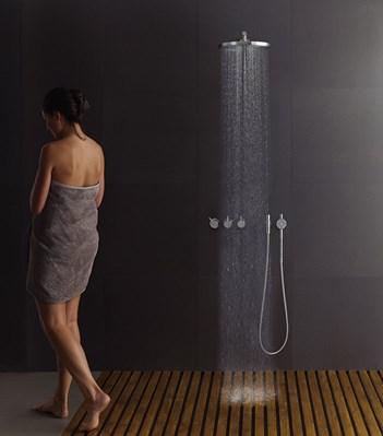 inbyggd dusch inbyggd dusch with inbyggd dusch with inbyggd dusch fristende badkar vs inbyggt. Black Bedroom Furniture Sets. Home Design Ideas